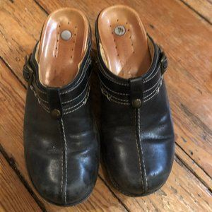 Clarks Clogs Size 8